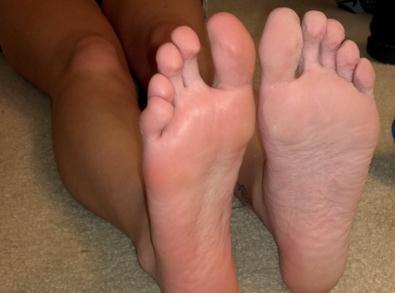 Sweaty Feet Image
